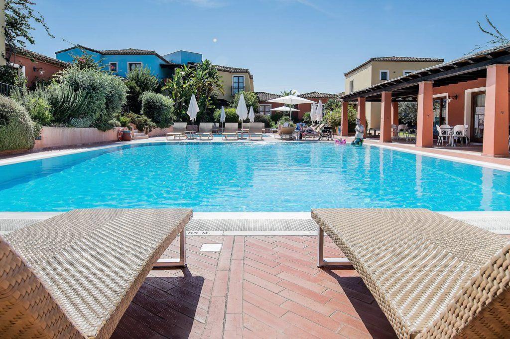 Residence borgo degli ulivi arbatax residence con piscina - Residence con piscina sardegna ...
